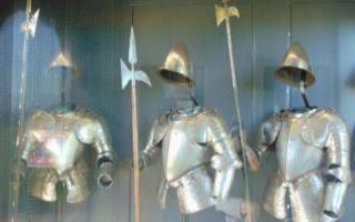 amsterdam-castle-tour-amsterdam-castle-knights-armor-top